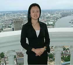 Amanda 曼谷 旅館陽台 背後是湄南河