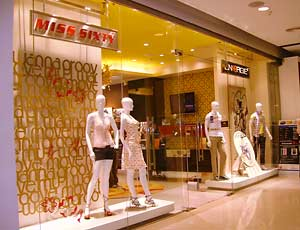clothing_shop_window