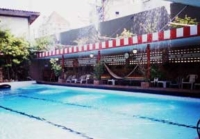 Atlanta-Hotel_swimming_pool