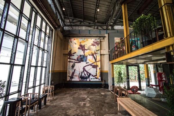 gallery-hall